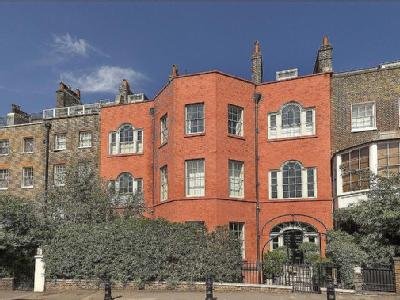 Cheyne Walk, London, SW10 - Grade II