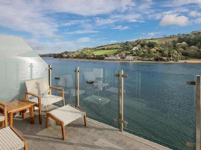 Estura, Cliff Road, Salcombe, TQ8