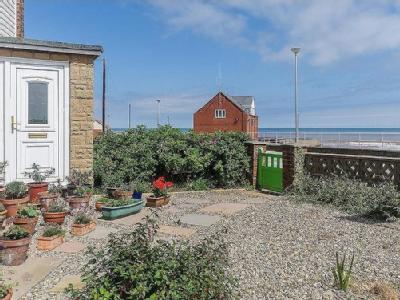 South Promenade, WITHERNSEA - Garden