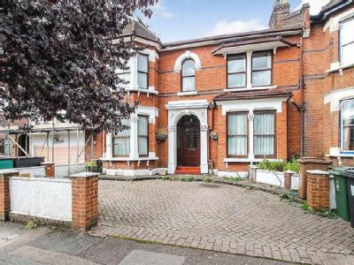 Forest Drive West, Leytonstone, London, E11