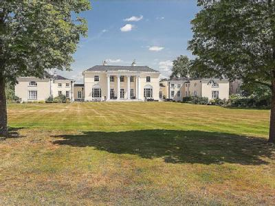 Digswell House, Monks Rise, Welwyn Garden City, Hertfordshire, AL8