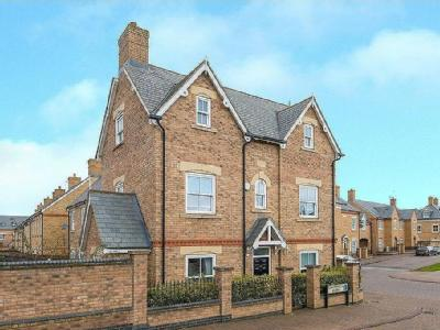 Copperfield Close, Stotfold, Hitchin, SG5