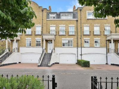 Clearwater Place, Surbiton, KT6
