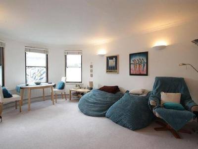 Wolseley Road, N8 - Furnished, Patio