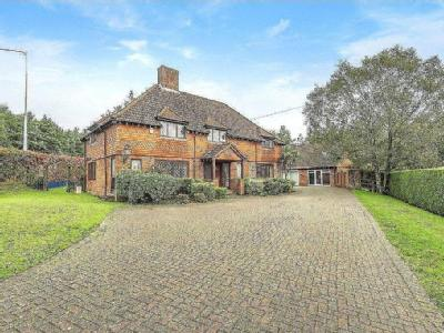 House for sale, Bracken Place