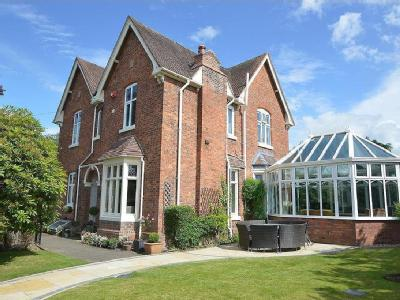 House for sale, Asterley House