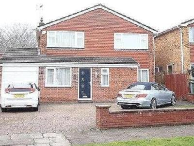 House for sale, Lawns Avenue - Modern