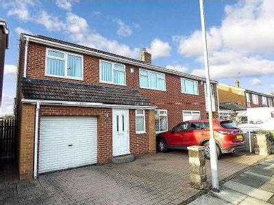 House for sale, Bassleton Lane