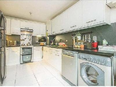 4 bedroom house for sale - Patio