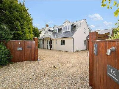 House for sale, Wendover Road - Gym