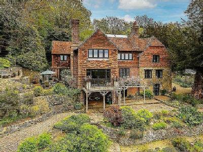 Trevereux Hill Oxted - Detached