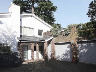 Lamu Green Lane Pangbourne - Detached