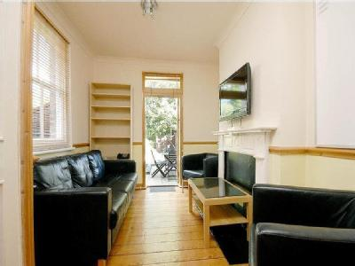Chesterfield Gardens, Manor House, London, Greater London, N4, N4, London