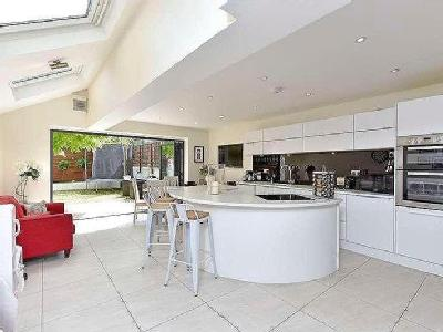 House for sale, Hillier Road - Garden