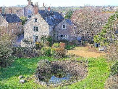 Grade II Listed Character Farmhouse with 4 acres