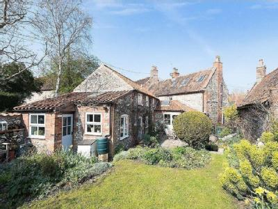 House for sale, Wighton - Cottage