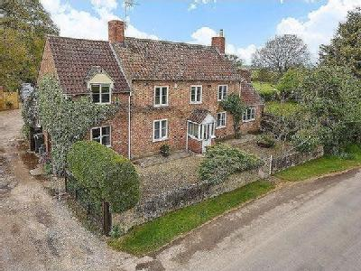 Lower Wick, Dursley - Detached
