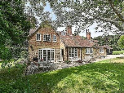 Sowley Lane, East End, Lymington, Hampshire, SO41