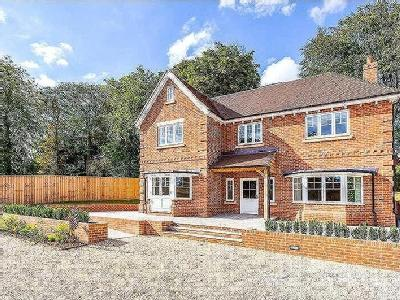 Bath Road, Marlborough, Wiltshire, SN8