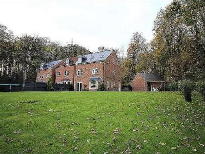 Hollyhurst Court, Riddings, DE55