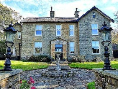 Halifax Road, Littleborough, OL15