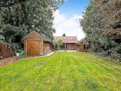 Main Road, Nutbourne, Chichester, West Sussex, PO18