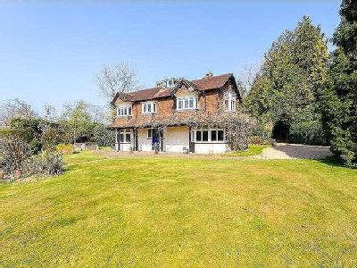 Ballsdown, Chiddingfold, Godalming, Surrey, GU8