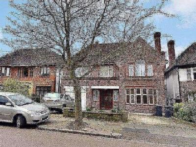 Haslemere Gardens, Finchley, London, N3