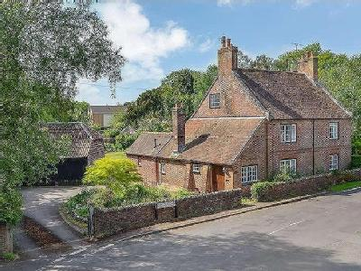 Lower Road, Hampshire, PO9 - Detached