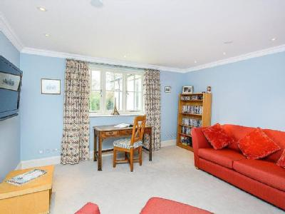 Shirvells Hill, Goring Heath, Nr Woodcote, Reading