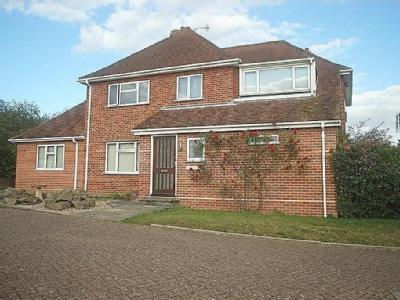 Redhill Close, Diss - Detached