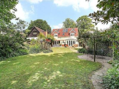 Middle Hill, Englefield Green, Surrey, TW20