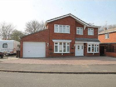 Lindum Way, Donington - Detached