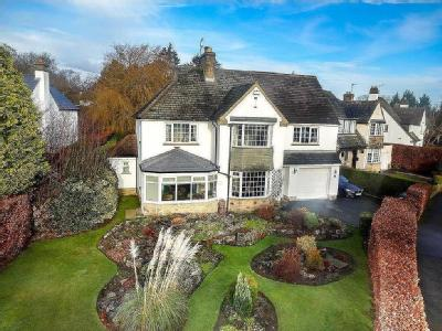 Southway, Horsforth, Leeds - Detached