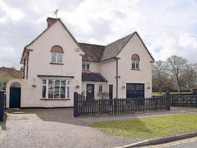Meadow Way, Letchworth, Herts, SG6