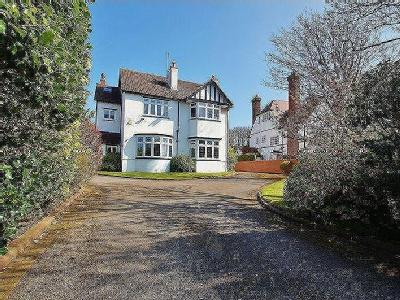 Sandringham Road, Birkdale - Detached