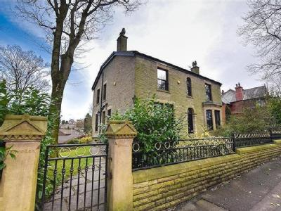 Mottram Rd, Stalybridge - Detached