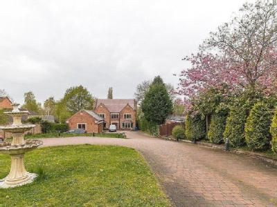Bawtry Road, Bessacarr, Doncaster, South Yorkshire, DN4