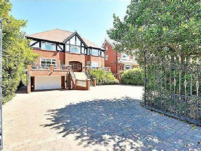 Grosvenor Road, Southport - Detached
