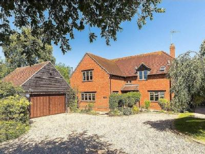 Brook Farm Close, Twyford, Buckingham, MK18