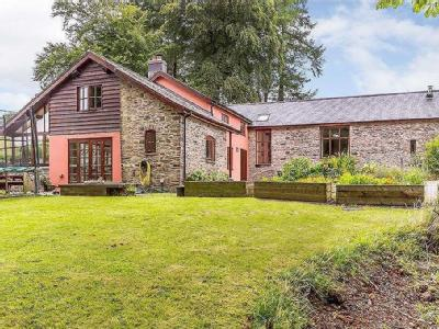 Hendy Castell, Old Hall, Llanidloes, Powys, SY18