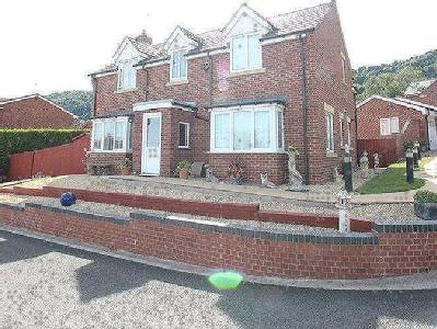 Treetops Drive, Malvern, Worcestershire, WR14