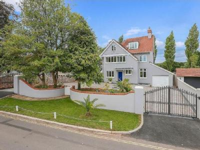Petitor Road, Torquay, TQ1 - Detached