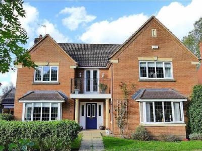 Lake View, Calne - Detached, Balcony
