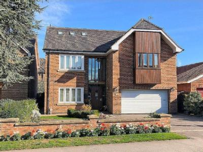 Woodhall Way, Beverley, HU17 - Modern