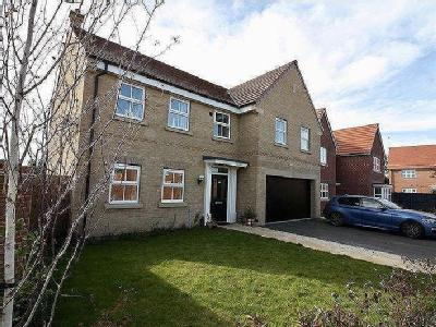 Squires Close, Pocklington-A 5 bed (3 en suite) house of nearly 2500 sq ft.