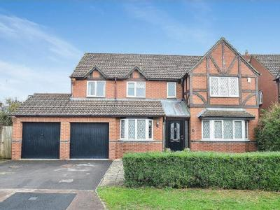 Jay Close, Bicester - Detached