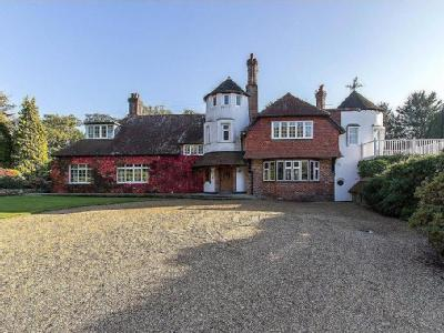 Newick Lane, Heathfield - Detached