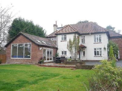 FABULOUS FAMILY HOUSE WITH SWIMMING POOL Edge Hill, Darras Hall