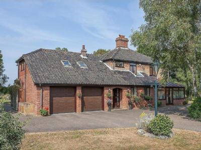 Church Road, Ringsfield - Detached